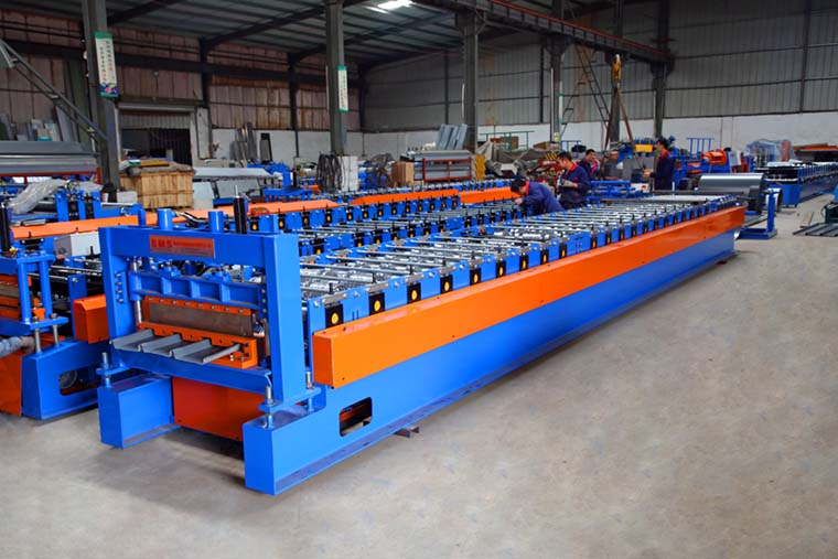 Klip lok Roof Panel Roll Forming Machine